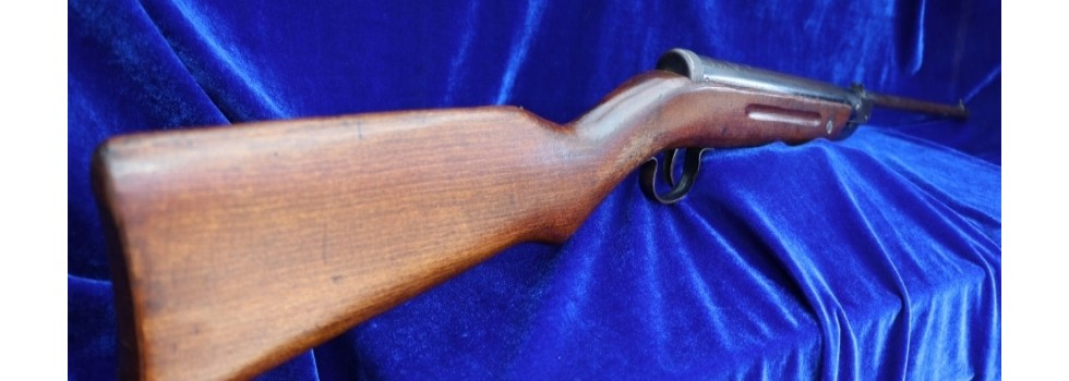 Vintage Diana Model 25 .177 Ai... Vintage Diana Model 25 .177 Air Rifle in very good condition. Very nice original...Show Details